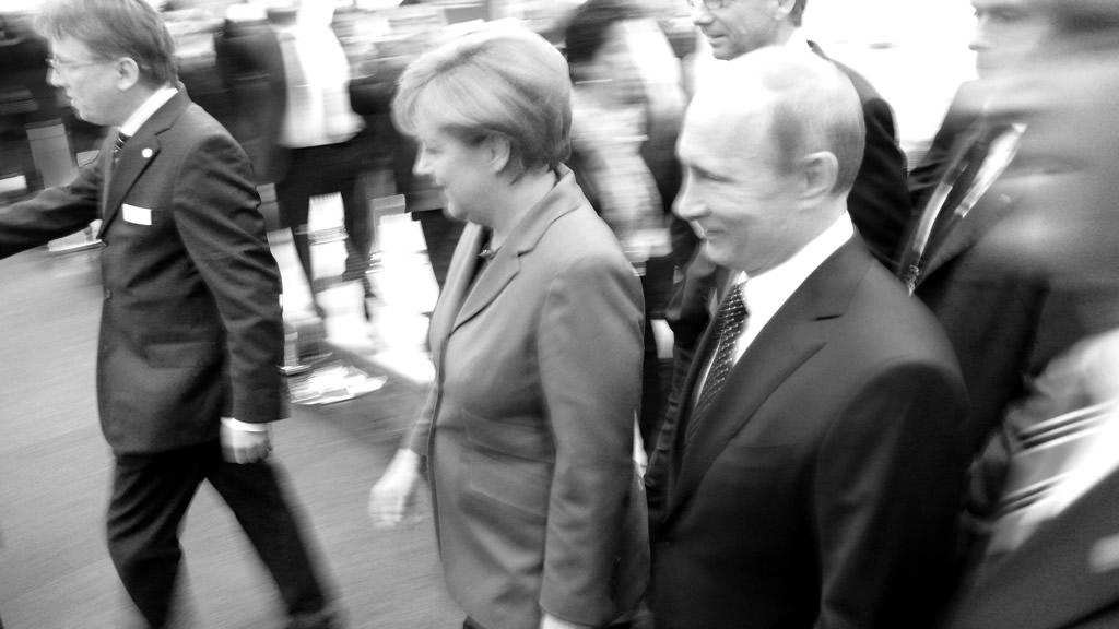 Herr Putin und Frau Merkel - Freunde fürs Leben sind sie nicht - aber die Machtbeziehungen haben sich verändert
